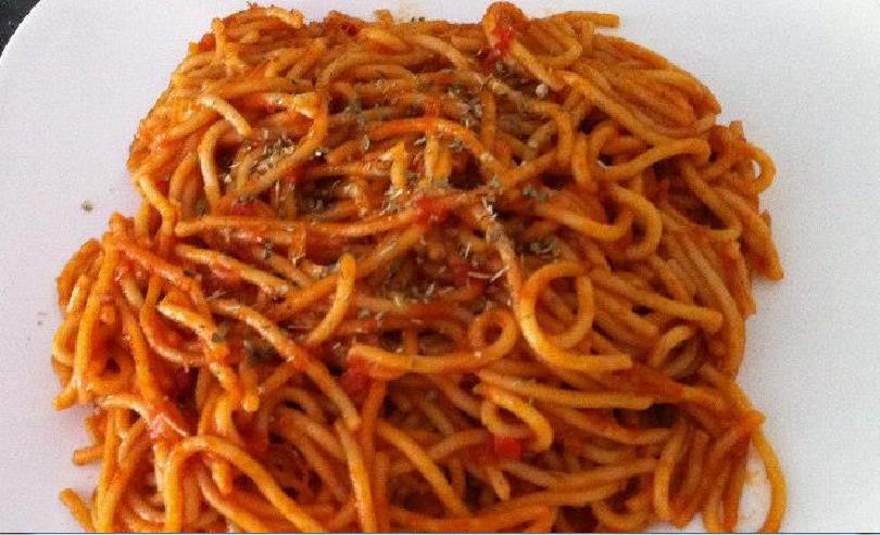 ספגטי ברוטב עגבניות מטריף של פנינה