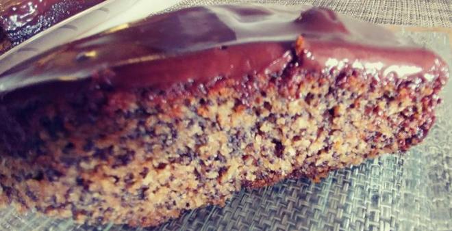 עוגת פֶּרֶג בחושה מעולה ללא גלוטן