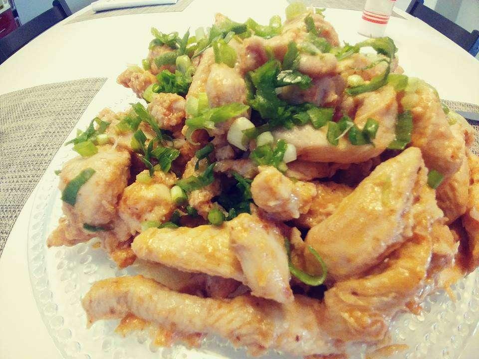 נתחי חזה עוף עסיסי בדבש וצ'ילי