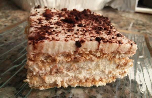 עוגת ביסקוויטים שכבות טעימה וקלה להכנה